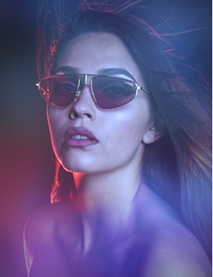 beautiful lady wearing sunglasses